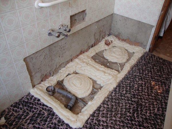 Preparazione per posa piatto doccia trasformazione vasca in doccia - Doccia da giardino fai da te ...