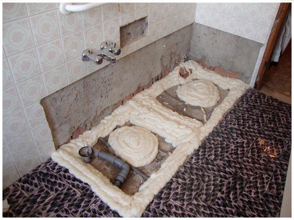 Preparazione per posa piatto doccia trasformazione vasca in doccia - Rifacimento vasca da bagno ...