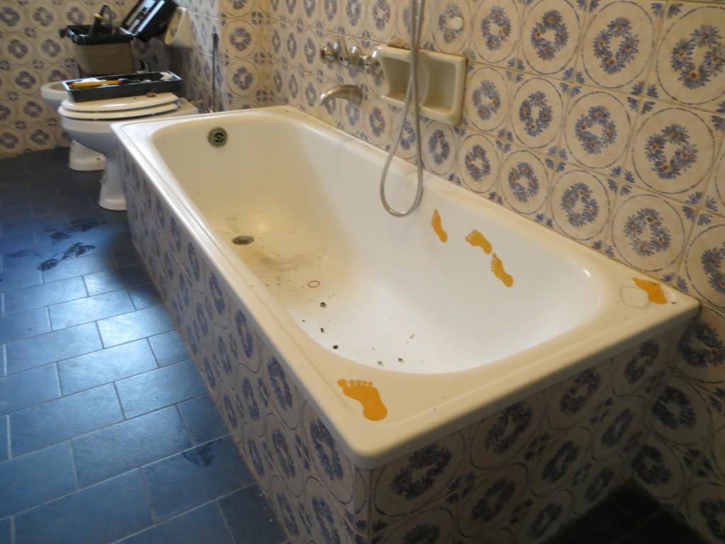 Ricoprire Vasca Da Bagno Prezzi cambiare colore alla vasca da bagno. sostituzione vasca da
